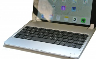 iPad Air Hinged Bluetooth Keyboard